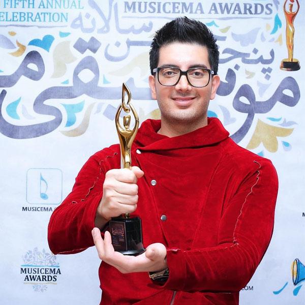 فرزاد فرزین خواننده سریال میدان سرخ