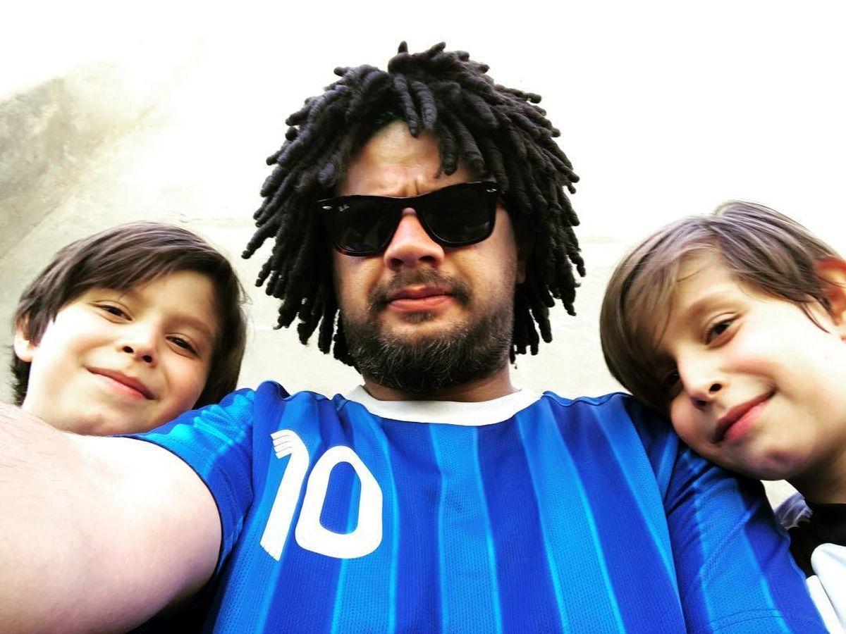علی صادقی از همسر و فرزندش رونمایی کرد +عکس خانوادگی
