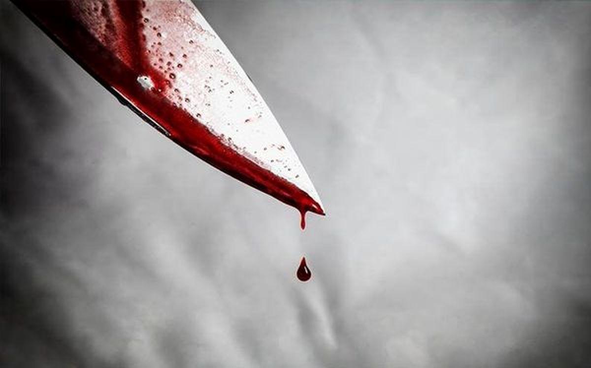 جسد بی جان مادر در آغوش دخترش اشک همه را درآورد | مرد بعد از قتل فراری شد