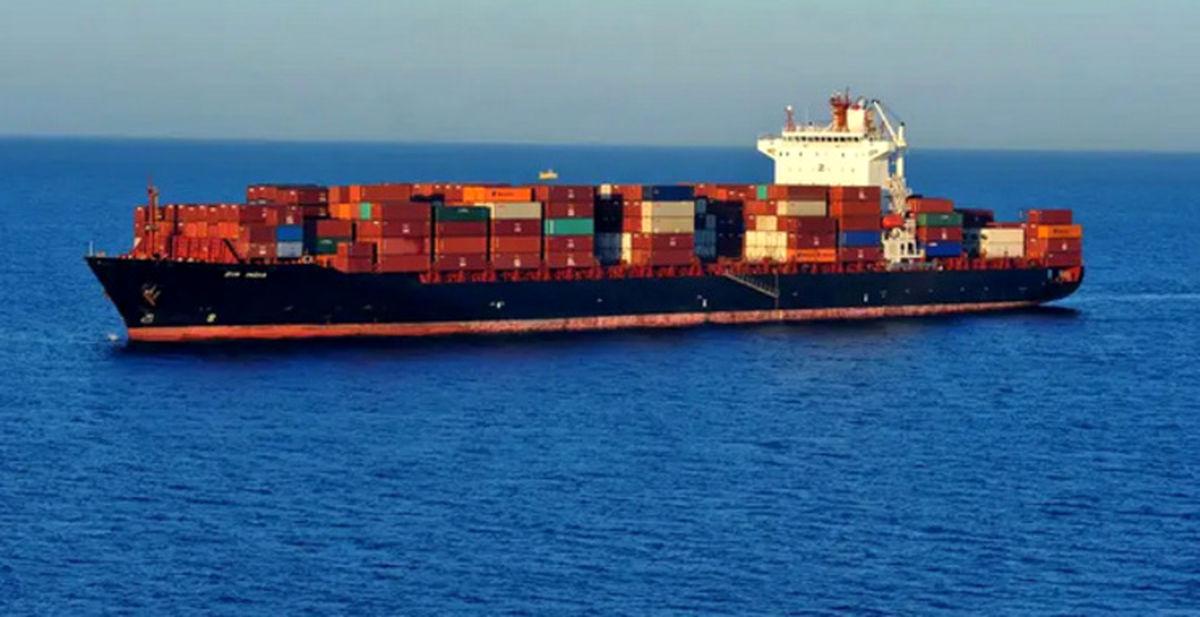 خبرفوری/کشتی عربستان مورد حمله قرار گرفت