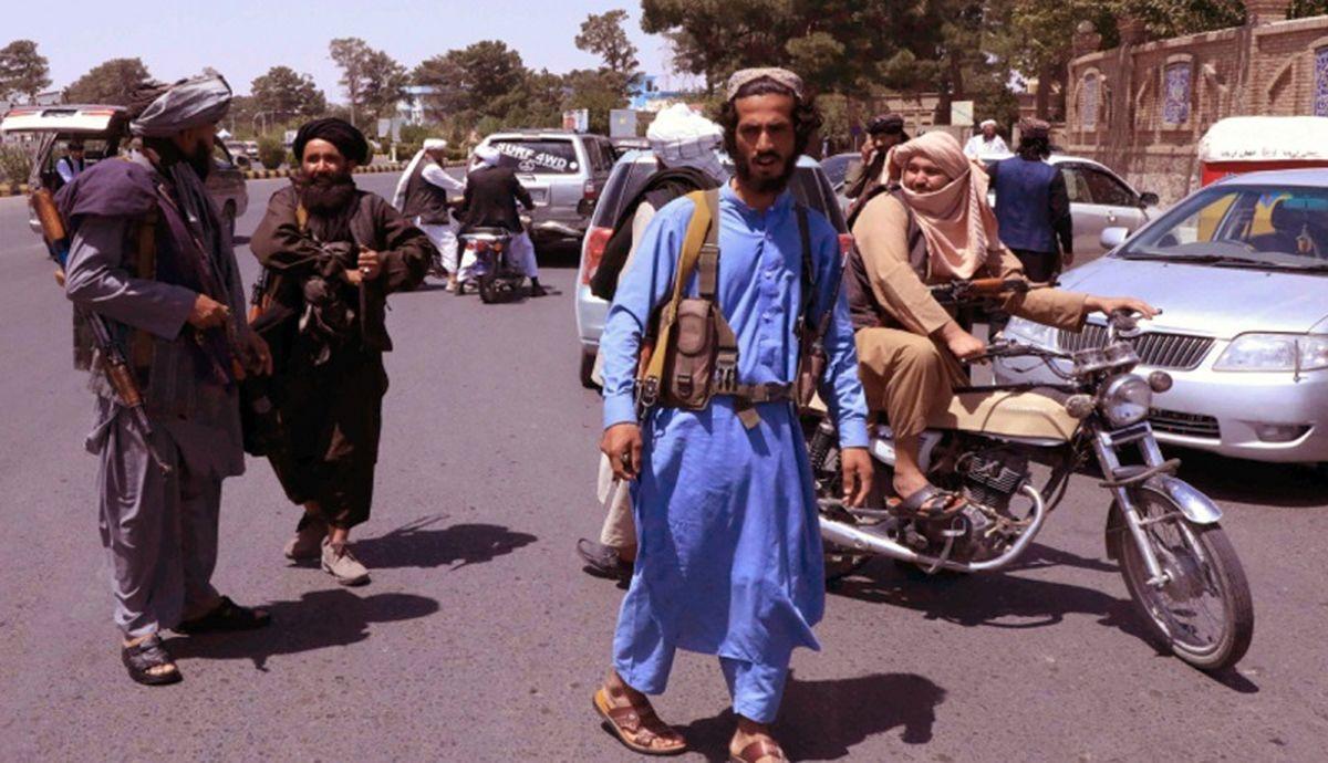 طالبان خانم خلبان را سنگسار کردند / جزئیات