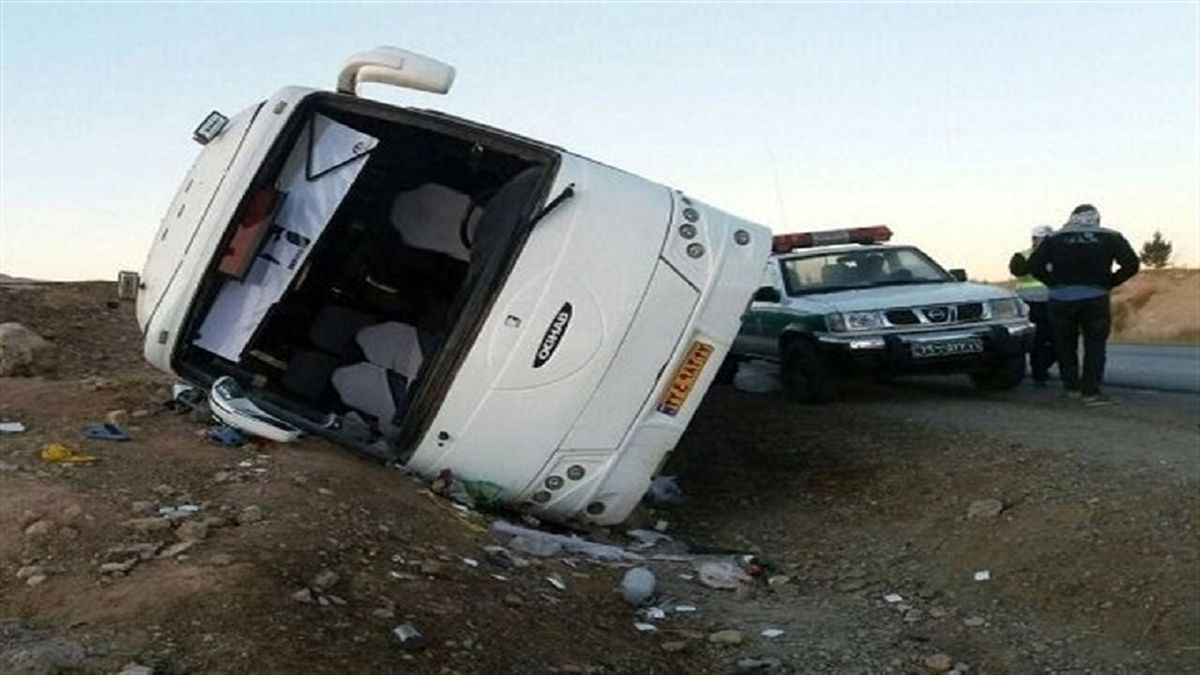 17 کشته و مجروح در تصادف اتوبوس و تریلی