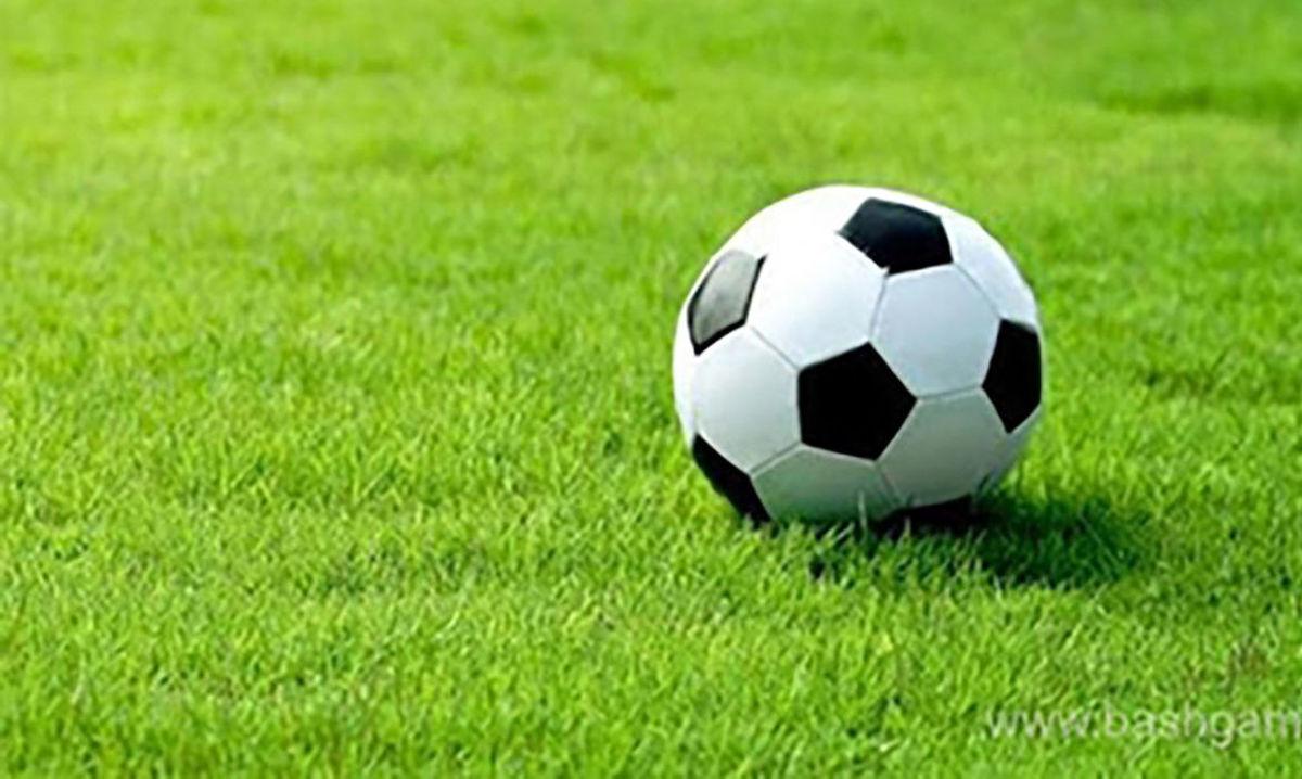 چاقوکشی وسط بازی فوتبال | زمین فوتبال به خون کشیده شد