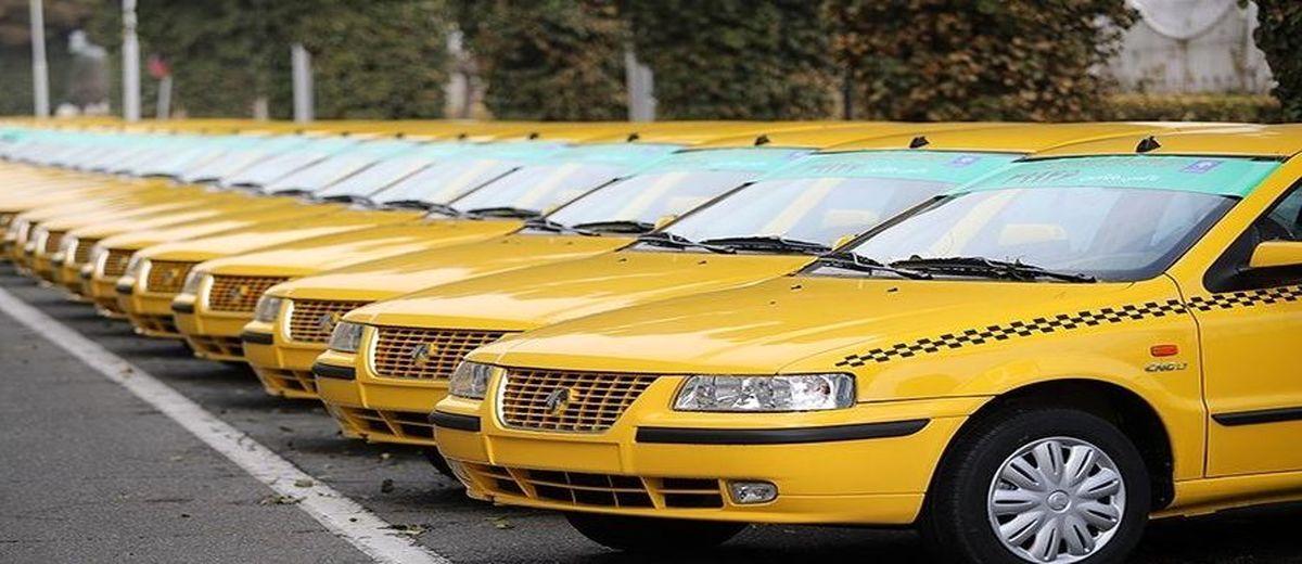 نصب سه برچسب در داخل تاکسی؛ کرایه تاکسی ها گران شد